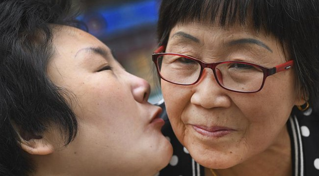 """植物人儿媳6年为爱开口:""""妈妈,爱你"""""""