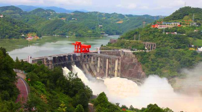 安康水电厂:预泄腾库积极应对强降雨
