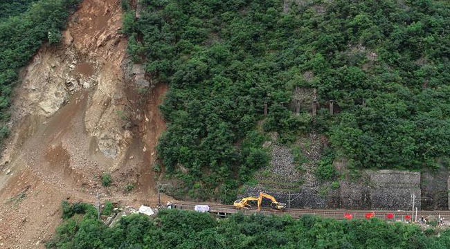 宝成铁路陕西略阳段发生水害影响多趟列车通行