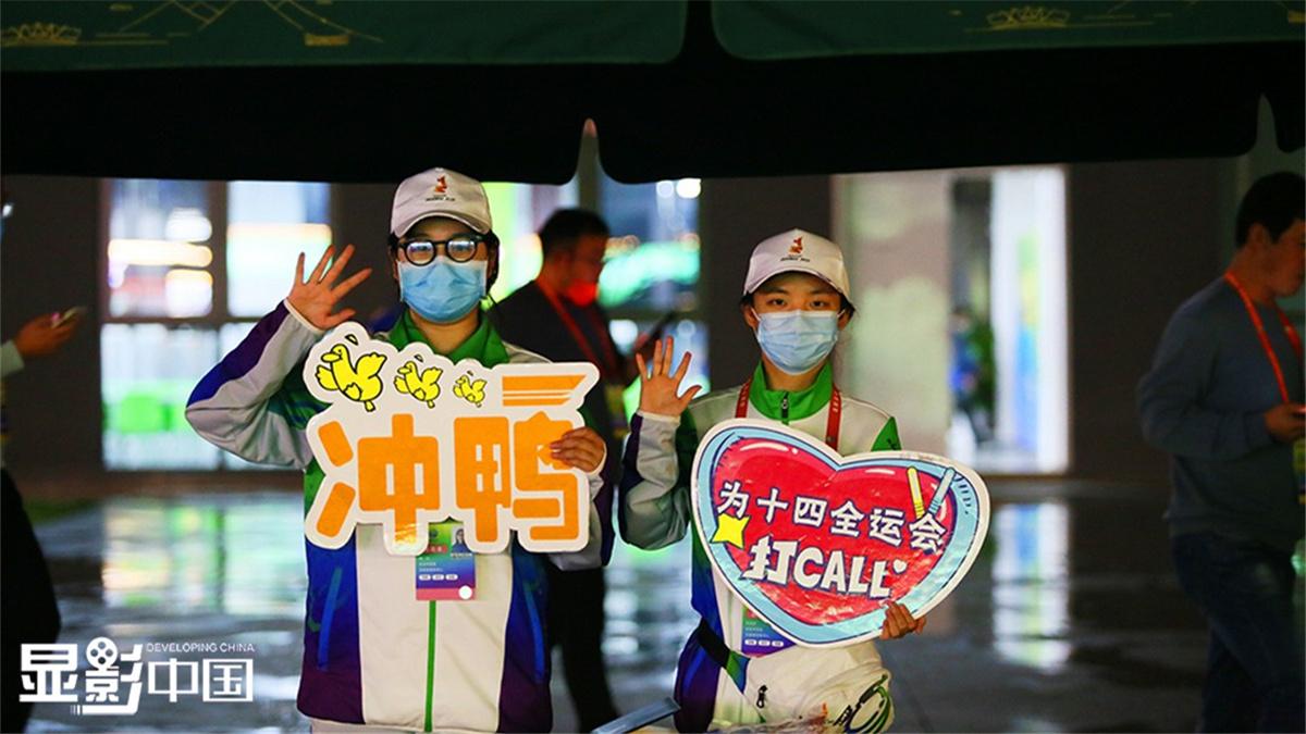 【顯影中國】圖片故事:口罩遮不住的微笑